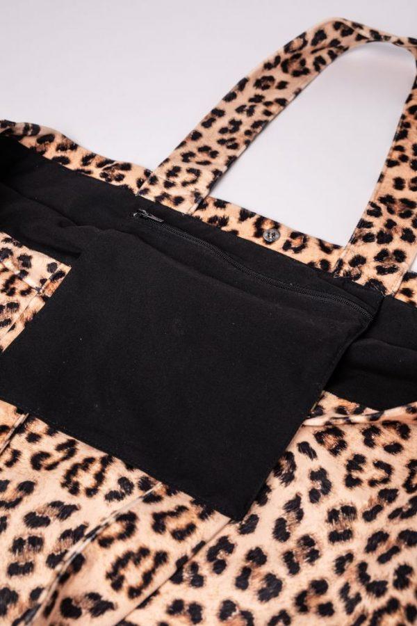 binnenzak met rits van de XL tas met panterprint stof