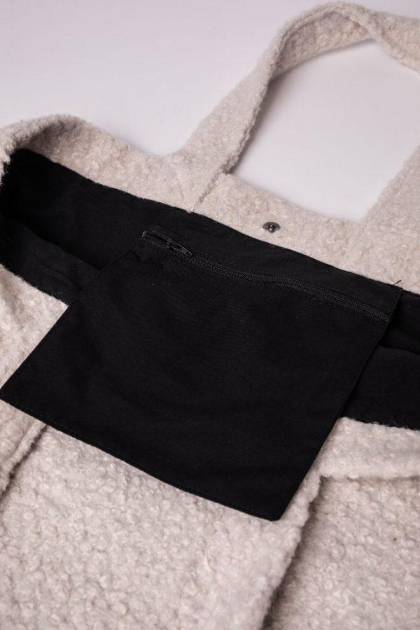 binnenzak met rits van de XL tas in teddy stof in de kleur wit