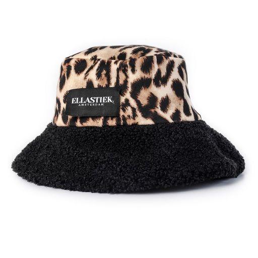 reversible bucket hat van zwarte teddy stof en met panter print stof mrt art logo op de voorkant
