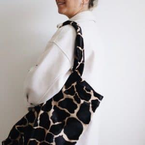 XL shopper in dierenprint stof met matchende scrunchie