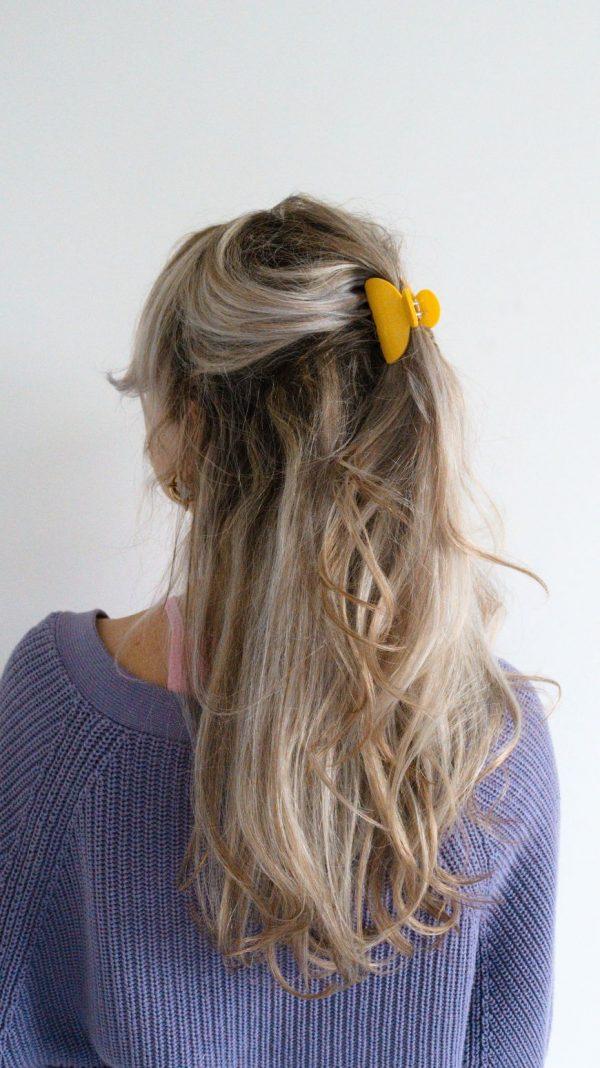 gele haarclip, haarklem