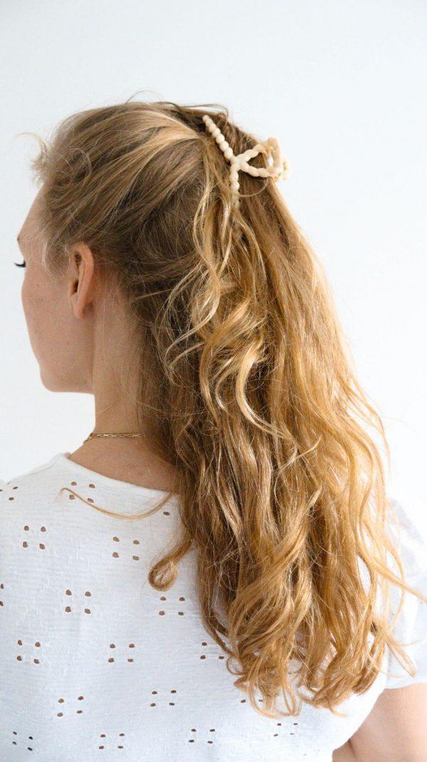 Beige haarklem haarclip